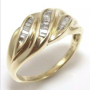 10K Yellow Gold 1/4ct Ring! S6.5
